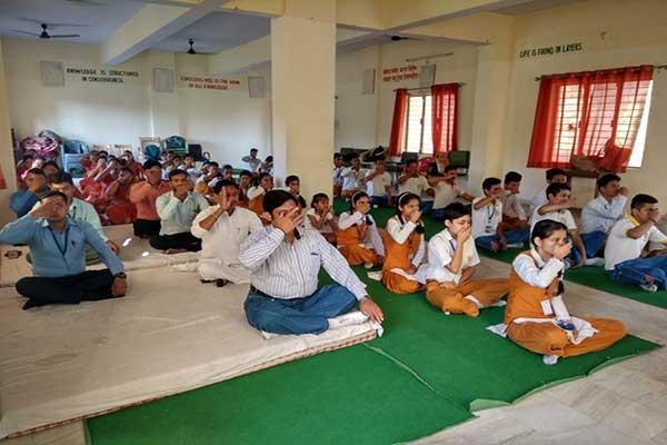 MVM School Kotdwar Principal And Studets during meditation .